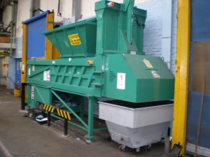 CAN CRUSHING COMPACTOR